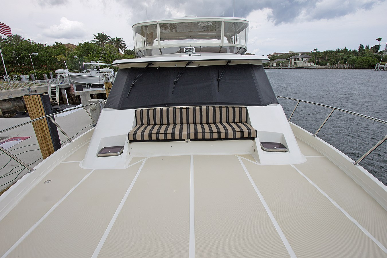 Foredeck Seating 2007 OFFSHORE YACHTS  Motor Yacht 2728176