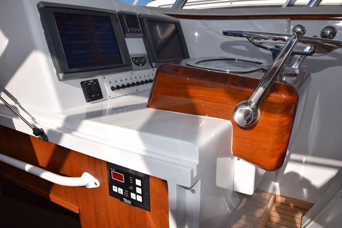 Cockpit A/C control panel in reach from helm 2015 CUSTOM CAROLINA WARREN O'NEAL 2015 REBUILD Sport Fisherman 2728560