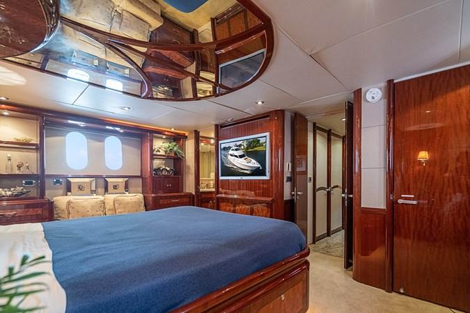 2004 LAZZARA  Motor Yacht 2744091