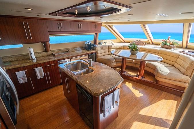 Galley Dinette 2004 LAZZARA  Motor Yacht 2744156
