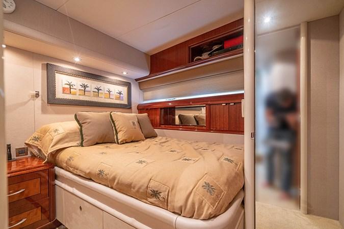 Captain's Cabin 2004 LAZZARA  Motor Yacht 2745333