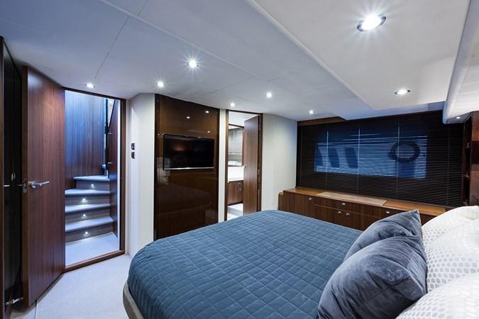 Master Stateroom 2017 PRINCESS YACHTS Flybridge Motoryacht Motor Yacht 2730101
