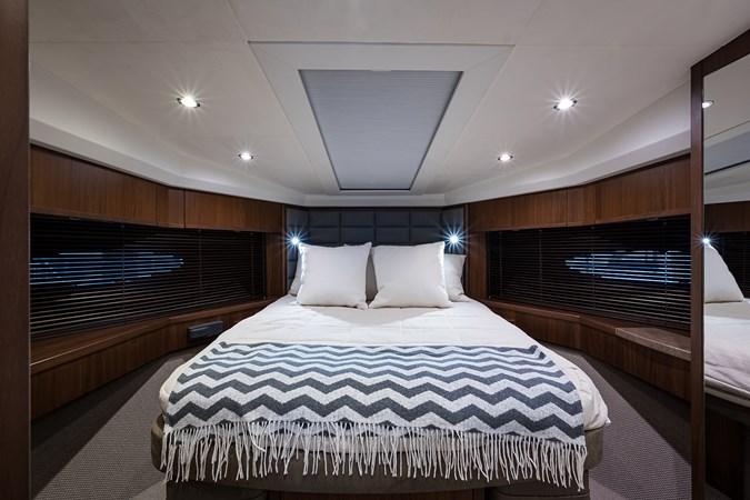 Forward Stateroom 2017 PRINCESS YACHTS Flybridge Motoryacht Motor Yacht 2730116