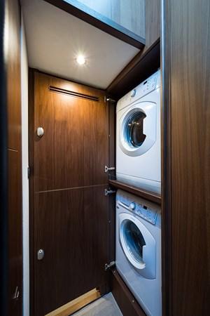 Laundry 2017 PRINCESS YACHTS Flybridge Motoryacht Motor Yacht 2730151