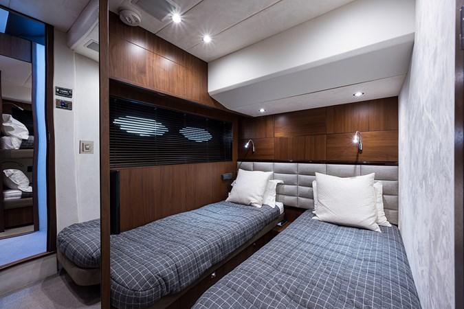Starboard Guest Stateroom 2017 PRINCESS YACHTS Flybridge Motoryacht Motor Yacht 2730152