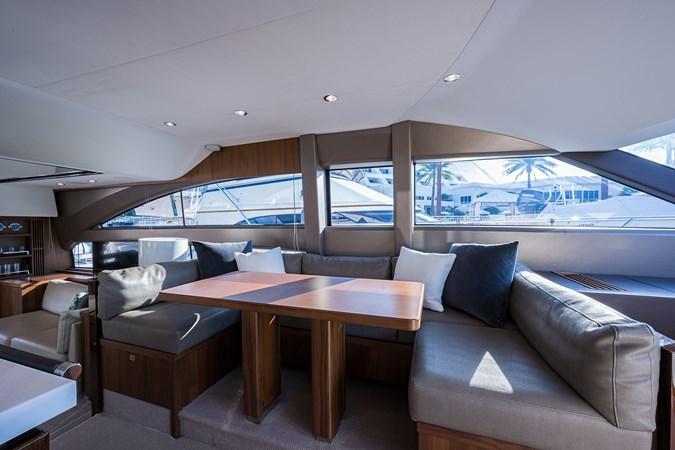 Dinette 2017 PRINCESS YACHTS Flybridge Motoryacht Motor Yacht 2730153