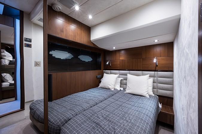 Starboard Guest Stateroom 2017 PRINCESS YACHTS Flybridge Motoryacht Motor Yacht 2730155