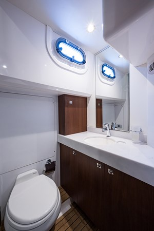 Crew Head 2017 PRINCESS YACHTS Flybridge Motoryacht Motor Yacht 2730157