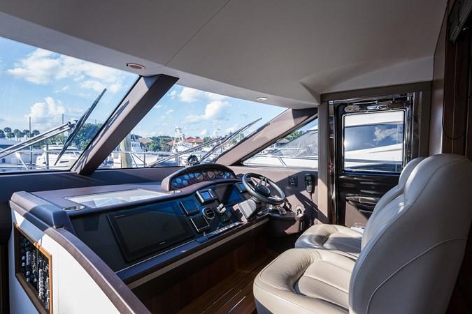 Lower Helm 2017 PRINCESS YACHTS Flybridge Motoryacht Motor Yacht 2730159