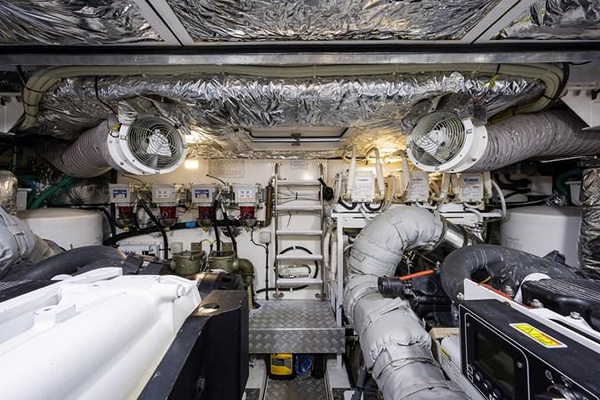 Engine Room 2017 PRINCESS YACHTS Flybridge Motoryacht Motor Yacht 2730191