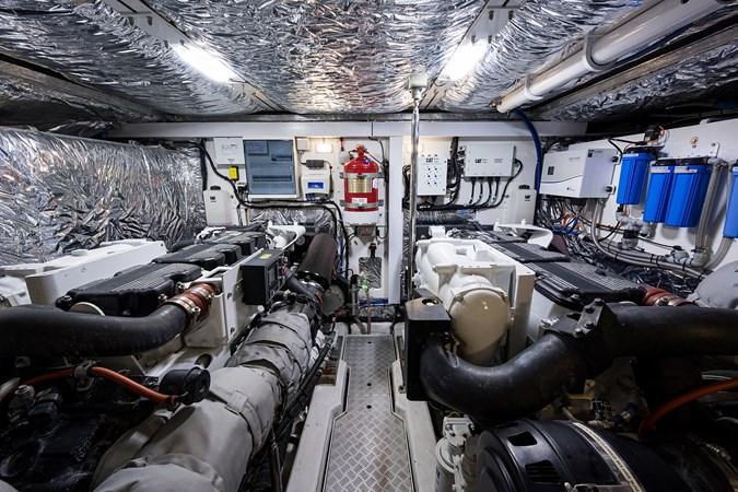 Engine Room 2017 PRINCESS YACHTS Flybridge Motoryacht Motor Yacht 2730194
