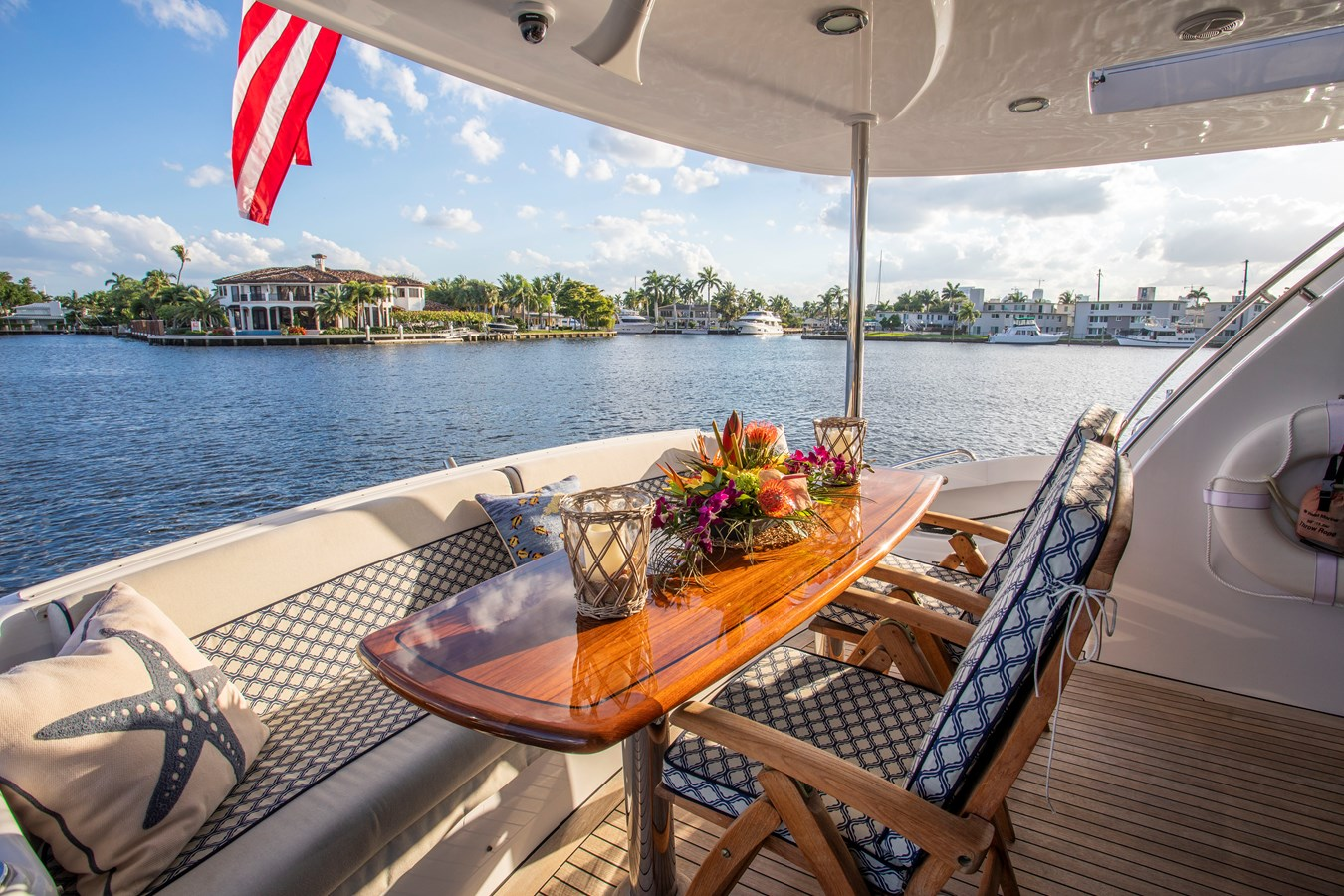Aft Deck Dining Area 2008 HATTERAS 72  Motor Yacht 2738590