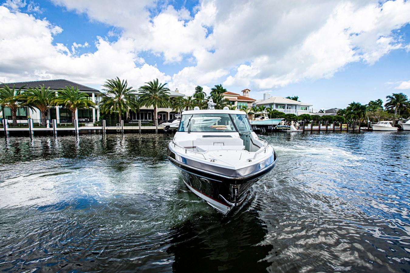 IMG_3923 2018 FORMULA 430 Super Sport Crossover Motor Yacht 2731412