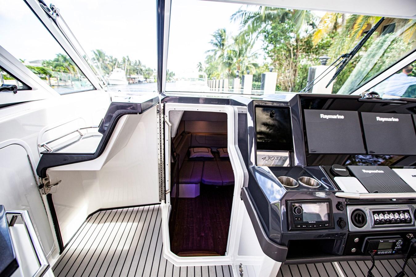 IMG_3965 2018 FORMULA 430 Super Sport Crossover Motor Yacht 2731424