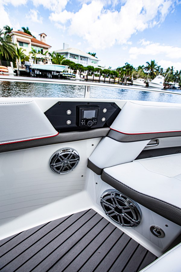 IMG_3934 2018 FORMULA 430 Super Sport Crossover Motor Yacht 2731425