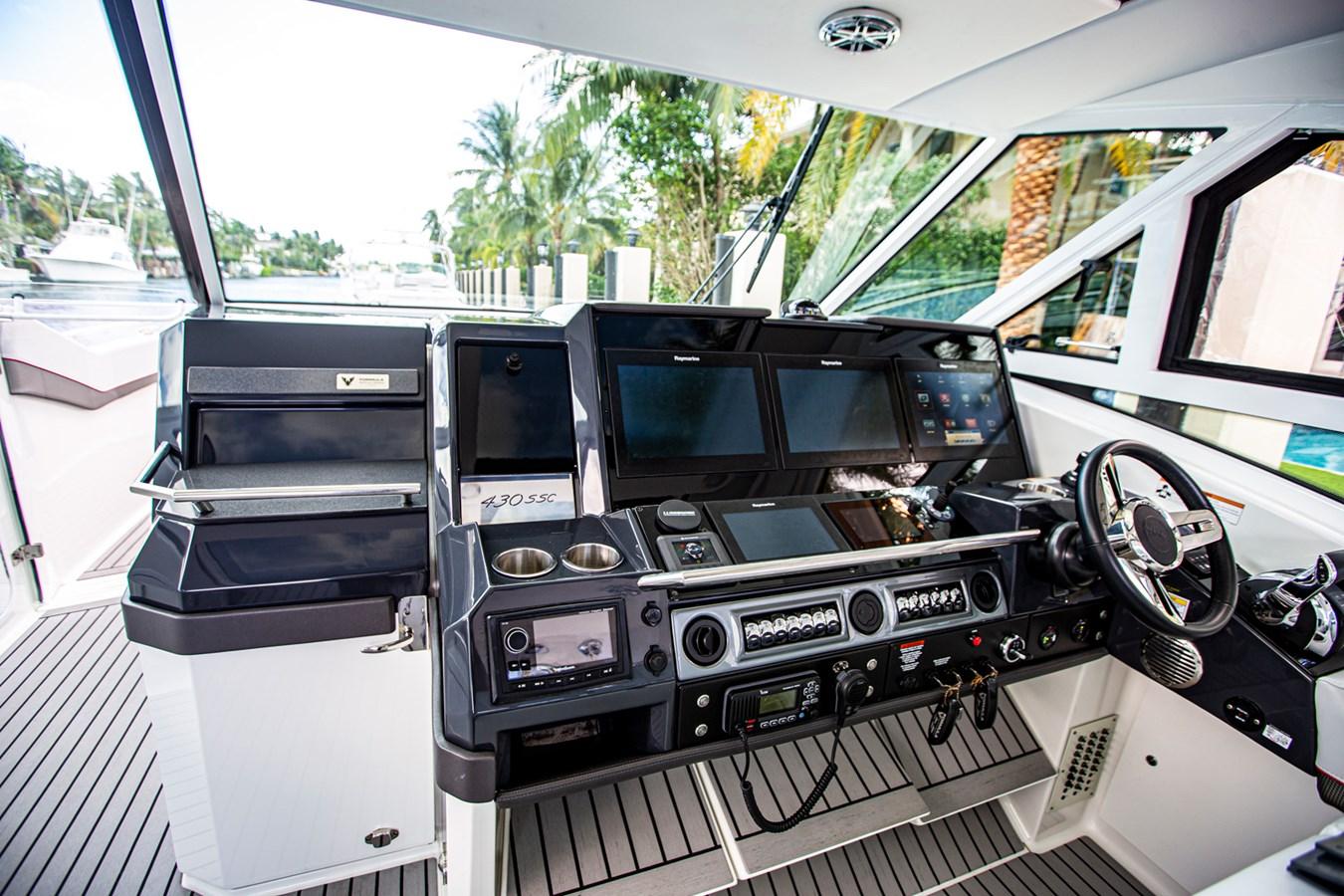 IMG_3939 2018 FORMULA 430 Super Sport Crossover Motor Yacht 2731429