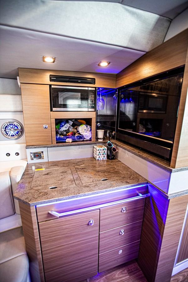 IMG_3973 2018 FORMULA 430 Super Sport Crossover Motor Yacht 2731430