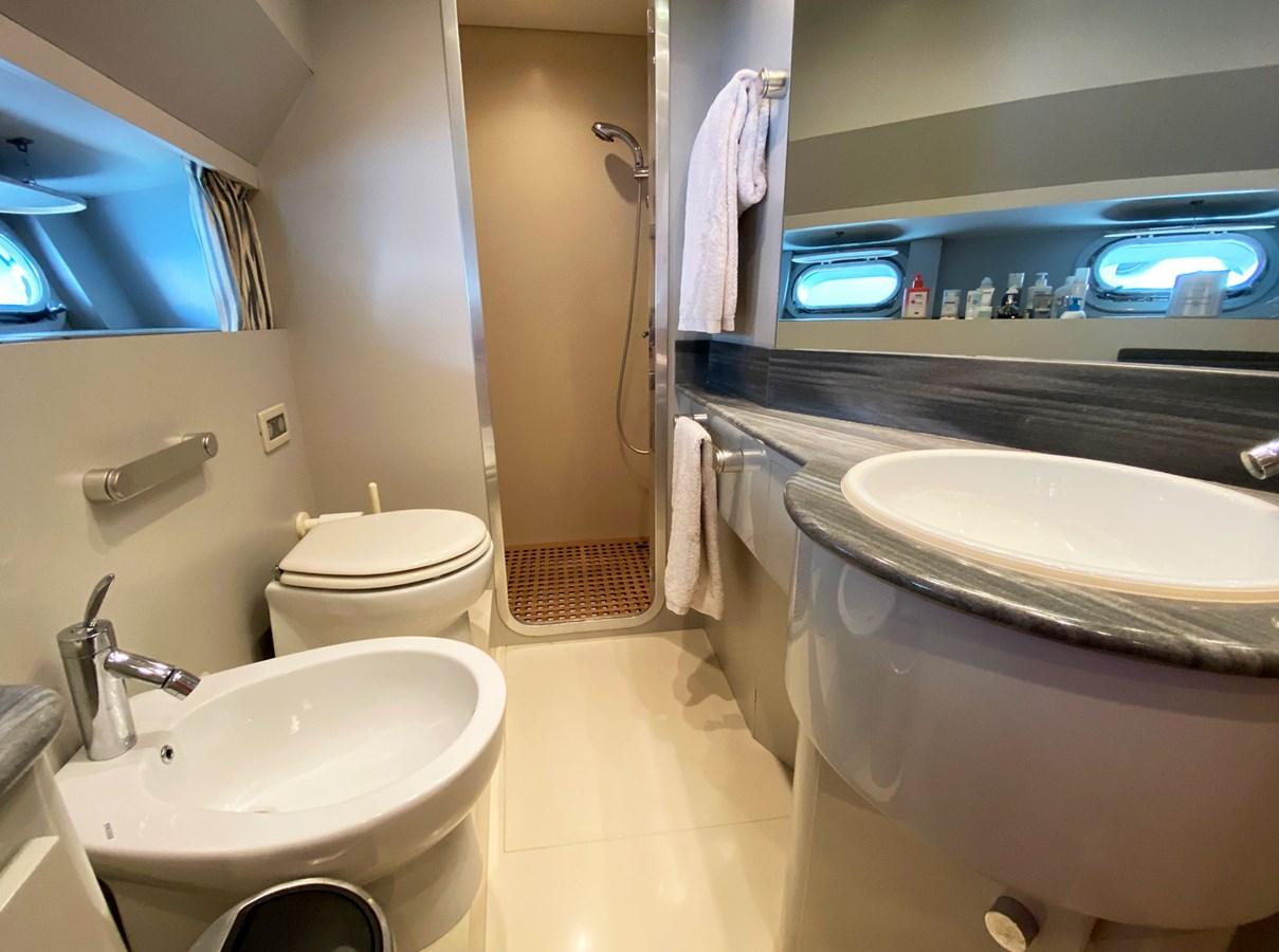 Viudes 83 24m Motor Yacht - Bathroom Master 1989 Viudes Yachts Viudes 83 Motor Yacht 2733405
