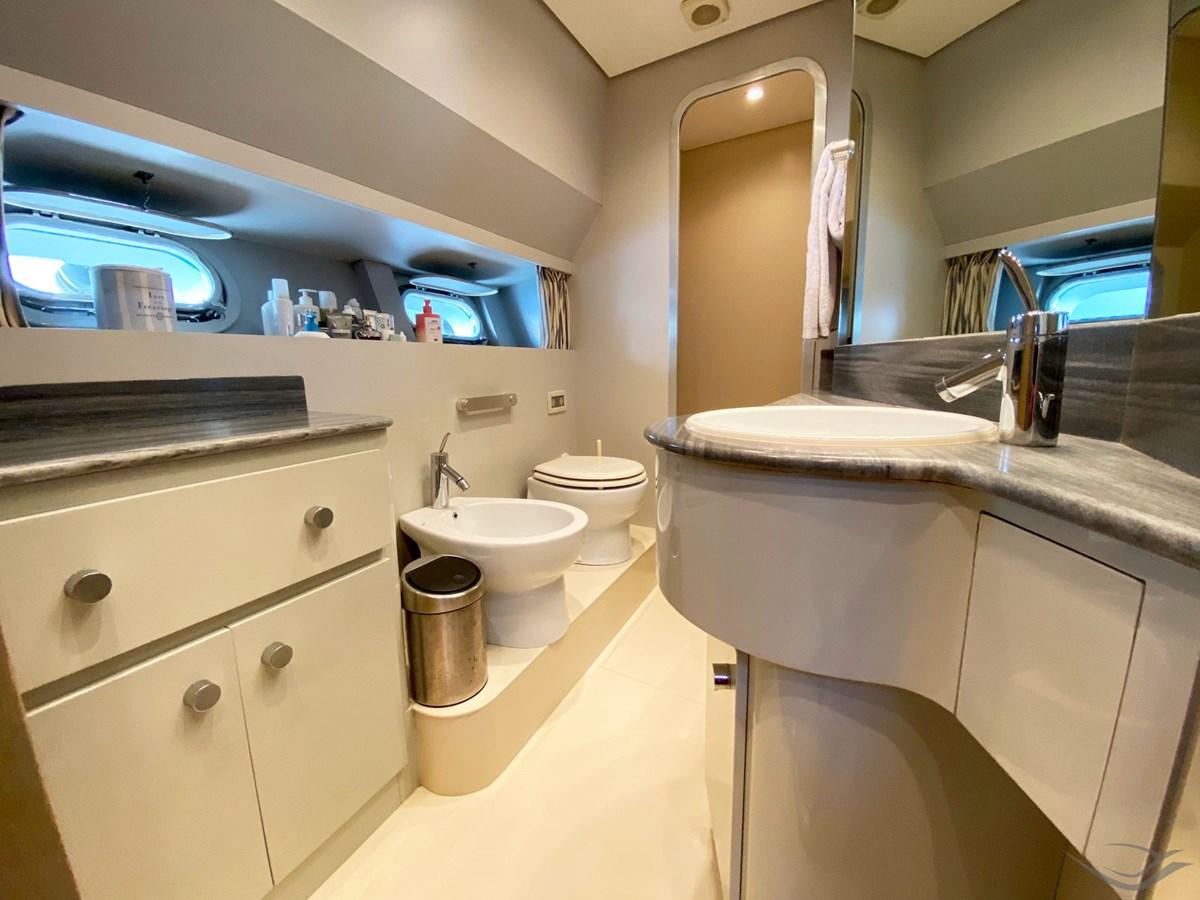 Viudes 83 24m Motor Yacht - Bathroom Master 1989 Viudes Yachts Viudes 83 Motor Yacht 2733411