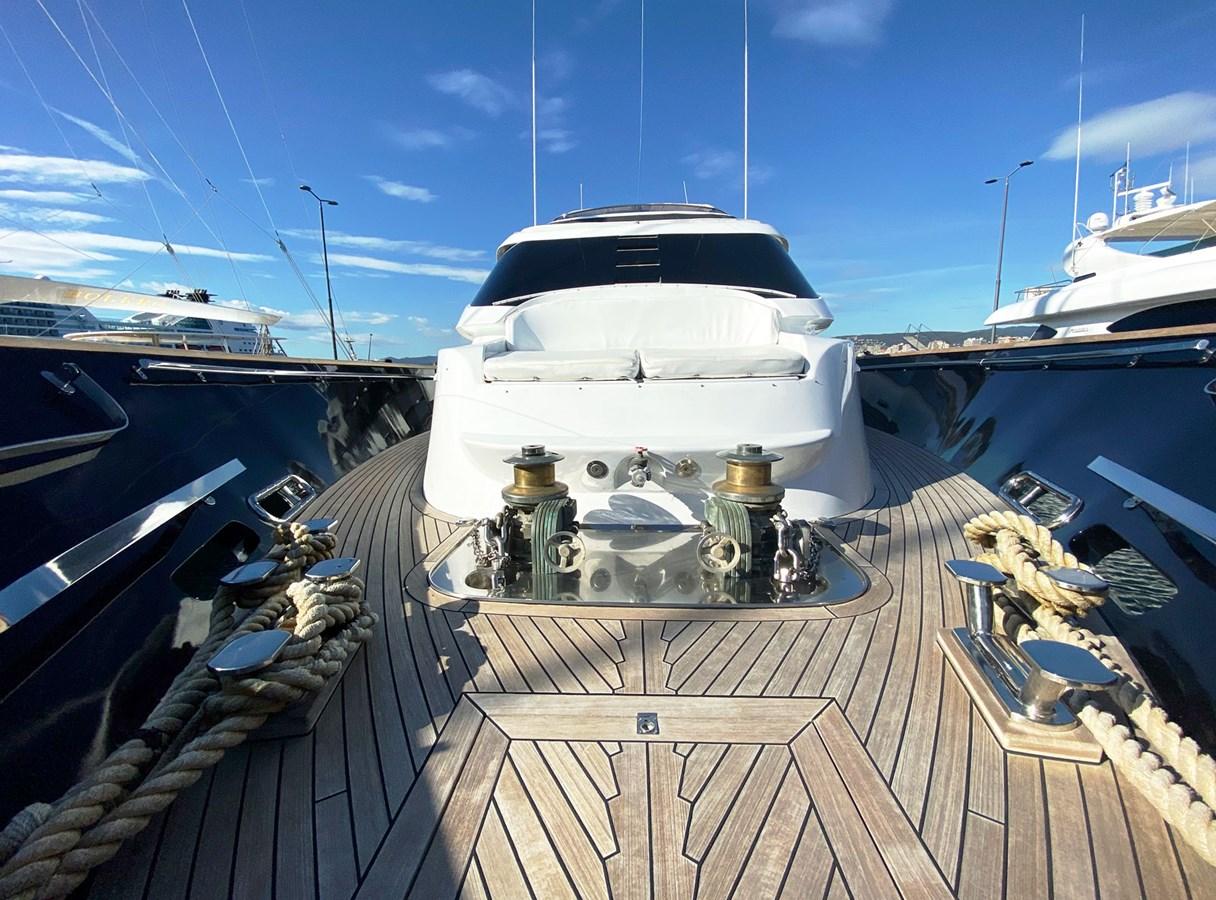 Mondomarine 85 Petardo - Bow Area 1995 MondoMarine 85 C Motor Yacht 2735387