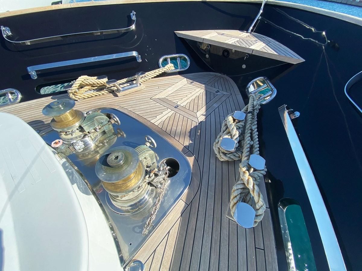 Mondomarine 85 Petardo - Bow Area 1995 MondoMarine 85 C Motor Yacht 2735396