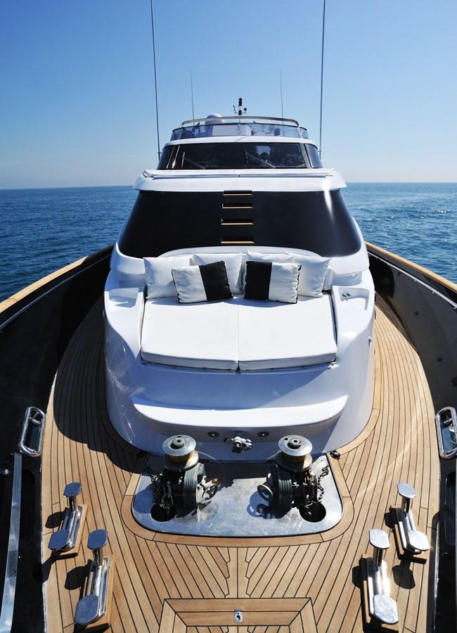 Mondomarine 85 Petardo - Bow Area 1995 MondoMarine 85 C Motor Yacht 2735397
