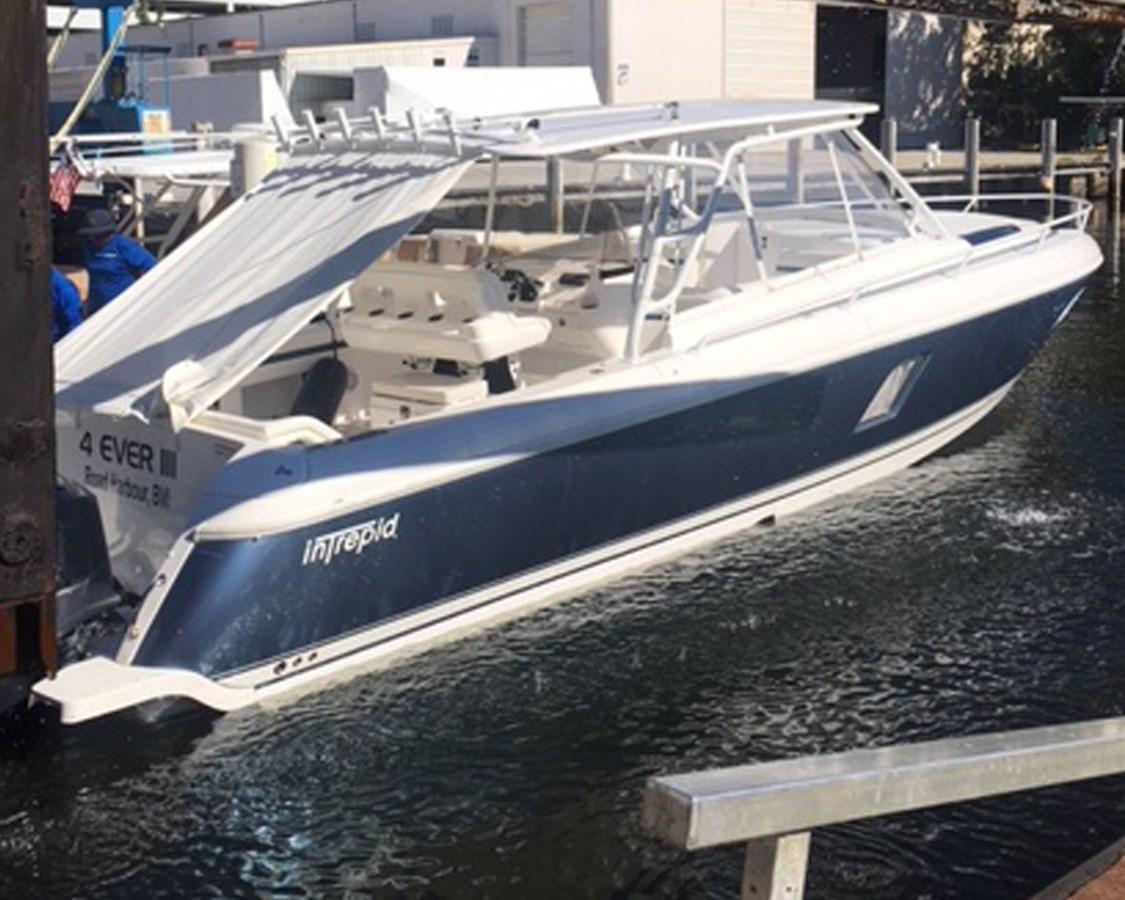 Intrepid 40 - 1 2016 INTREPID 400 Sport Yacht Motor Yacht 2734453