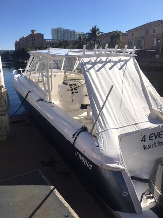 IMG_3599 2016 INTREPID 400 Sport Yacht Motor Yacht 2734471