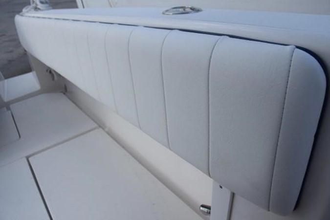 Cockpit coaming pads 2010 INTREPID POWERBOATS INC. Intrepid Sport Yacht with Seakeeper Gyro Walkaround 2761056