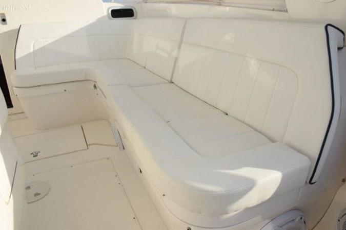 New cushions 2010 INTREPID POWERBOATS INC. Intrepid Sport Yacht with Seakeeper Gyro Walkaround 2761058