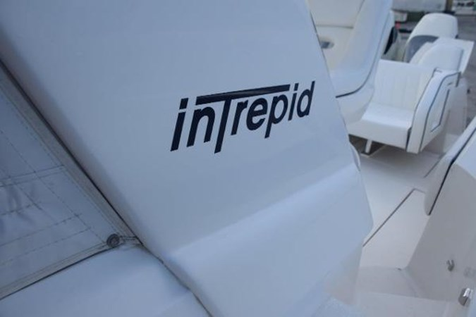 Insignia 2010 INTREPID POWERBOATS INC. Intrepid Sport Yacht with Seakeeper Gyro Walkaround 2761067