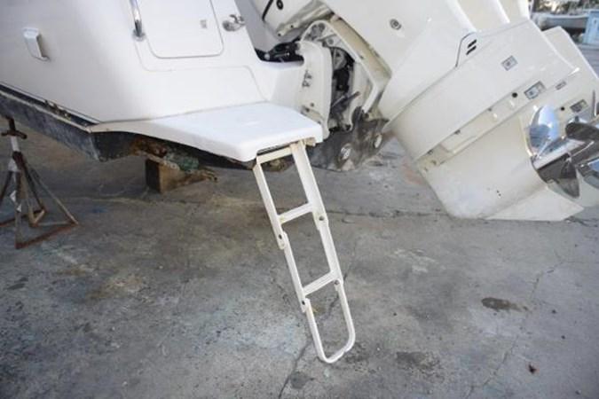 Second swim ladder and transom door 2010 INTREPID POWERBOATS INC. Intrepid Sport Yacht with Seakeeper Gyro Walkaround 2761103