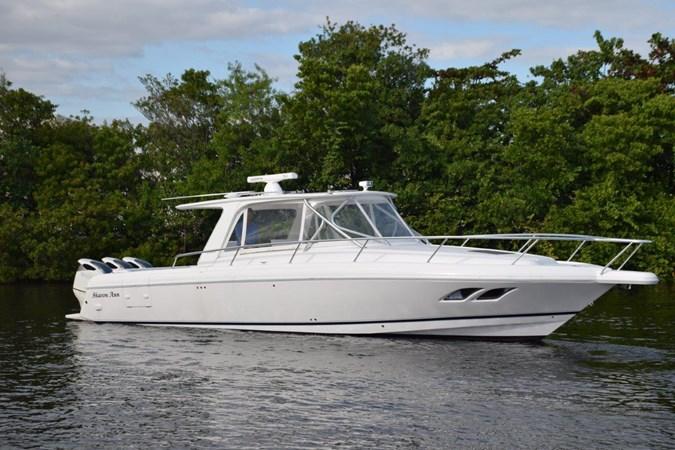 DSC_0409 2010 INTREPID POWERBOATS INC. Intrepid Sport Yacht with Seakeeper Gyro Walkaround 2773354