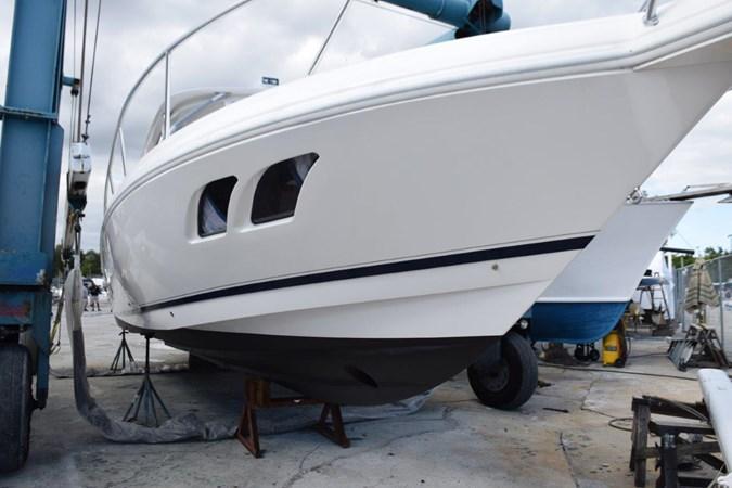 Brushed Aluminum railings and New Bottom Job 2010 INTREPID POWERBOATS INC. Intrepid Sport Yacht with Seakeeper Gyro Walkaround 2773356
