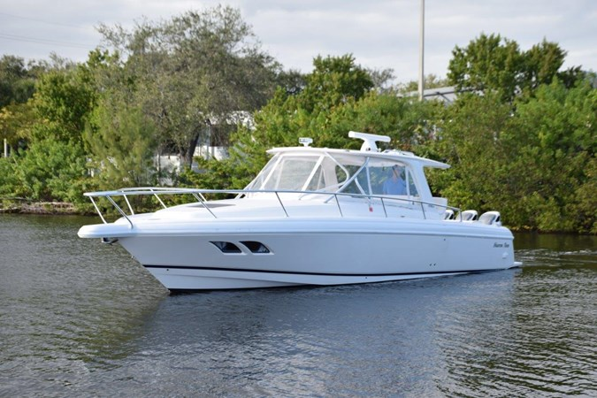 Immediately available in Ft. Lauderdale, FL 2010 INTREPID POWERBOATS INC. Intrepid Sport Yacht with Seakeeper Gyro Walkaround 2773359