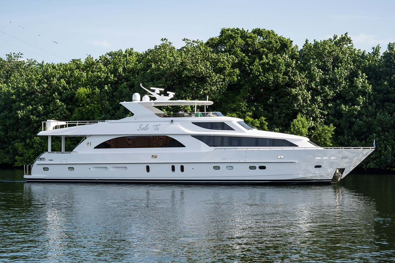 Solo Tu_starboard_profile_3 2010 HARGRAVE  Motor Yacht 2736087