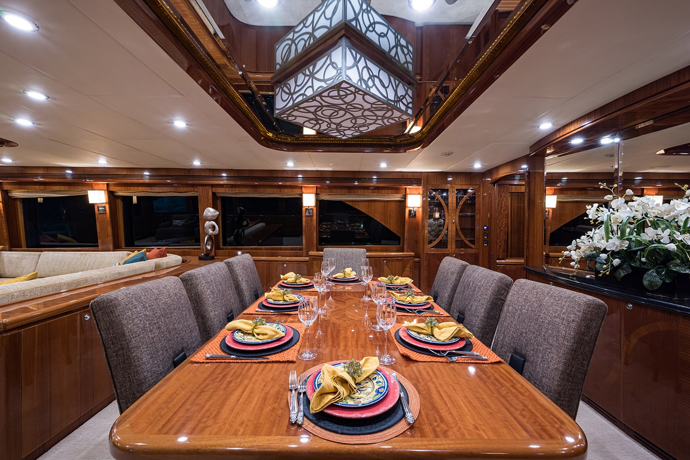 Dining 2010 HARGRAVE  Motor Yacht 2746493