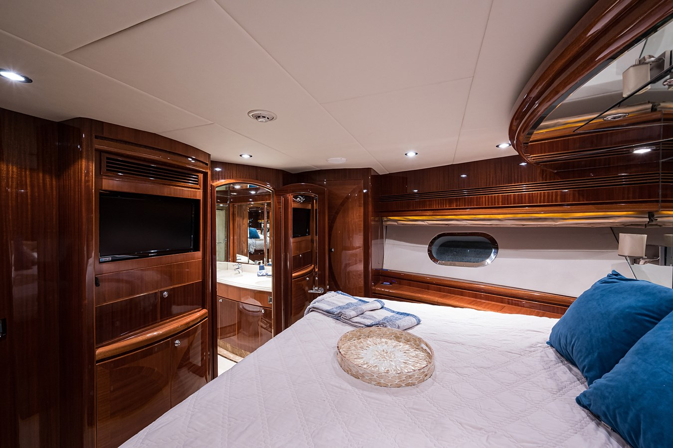 Forward Stateroom 2010 HARGRAVE  Motor Yacht 2746663