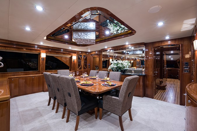 Dining 2010 HARGRAVE  Motor Yacht 2746490