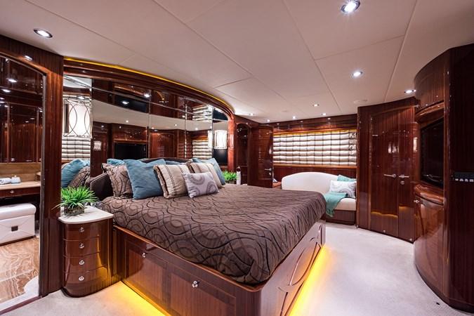 Master Stateroom 2010 HARGRAVE  Motor Yacht 2746496