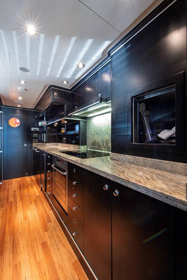 Galley 2006 BENETTI Tradition Series Motor Yacht 2738503