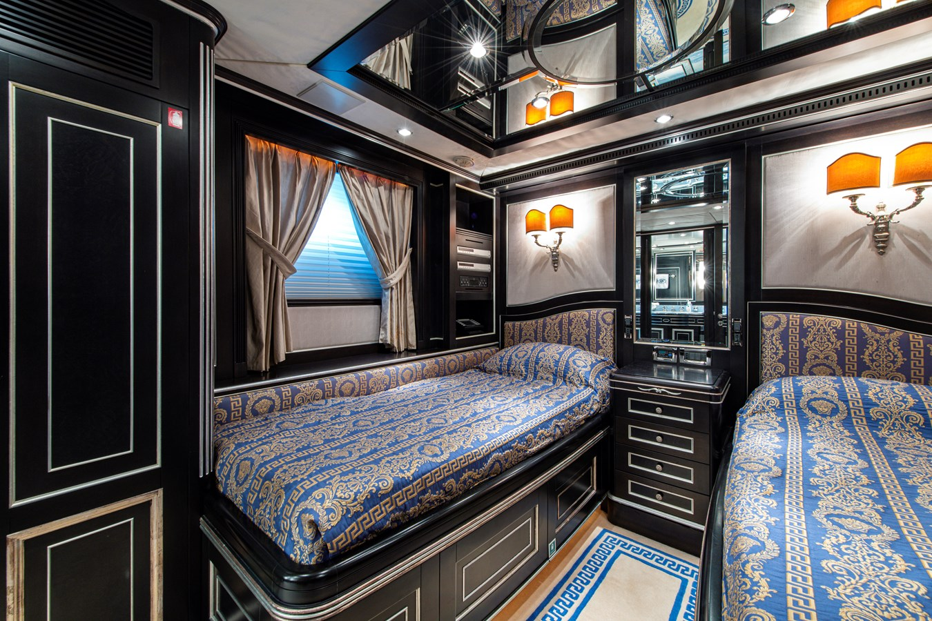 Port Guest Statroom 2006 BENETTI Tradition Series Motor Yacht 2738505