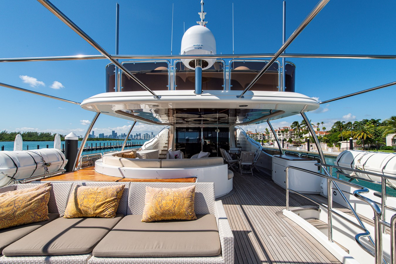 Pilot House Aft Deck 2006 BENETTI Tradition Series Motor Yacht 2738509