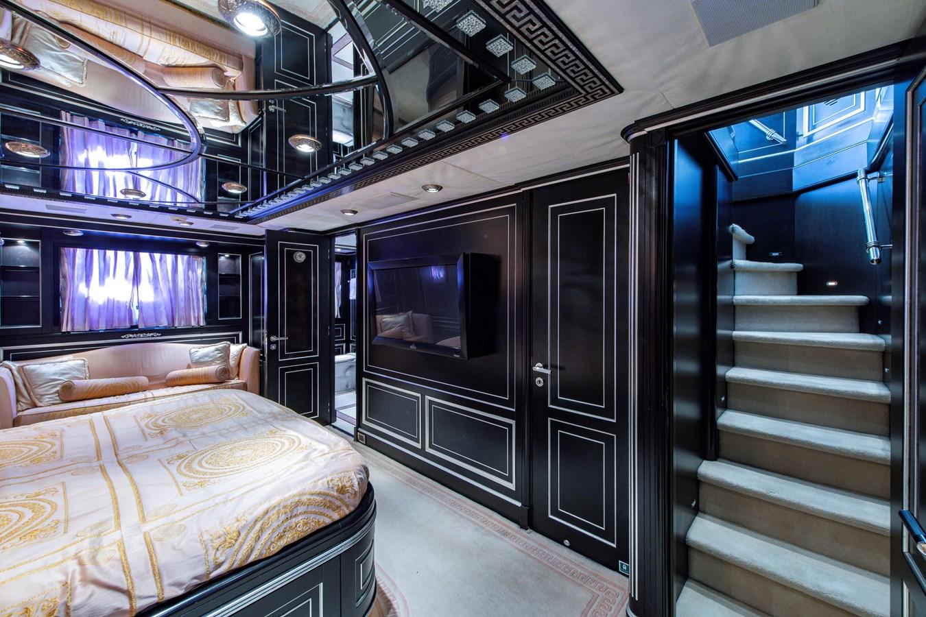 VIP Stateroom 2006 BENETTI Tradition Series Motor Yacht 2738518