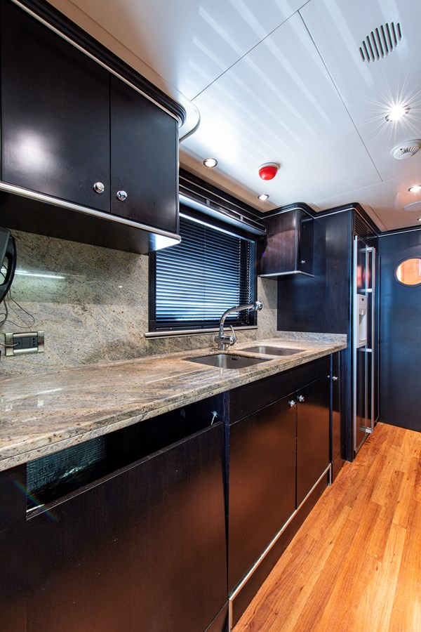 Galley 2006 BENETTI Tradition Series Motor Yacht 2738524