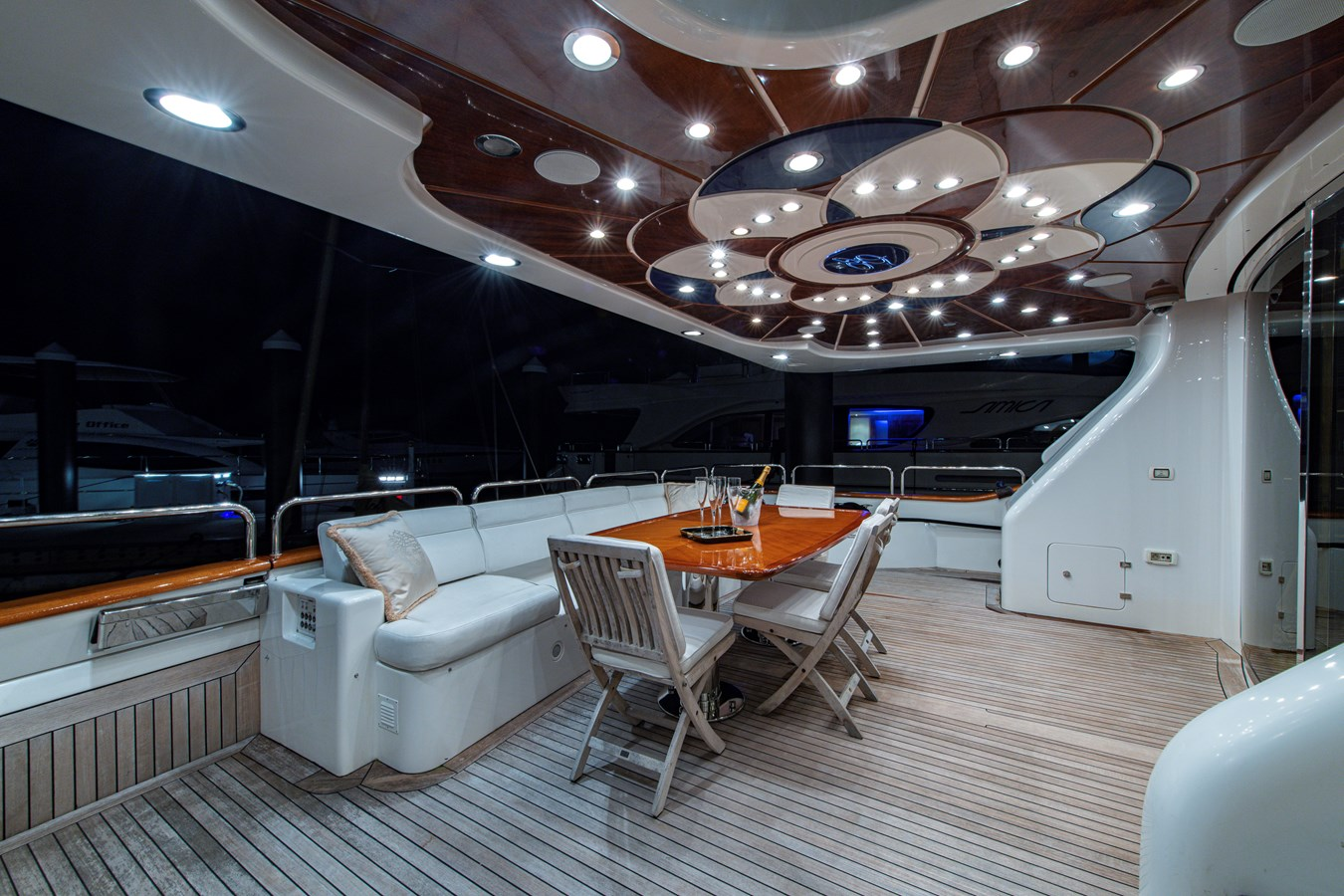 Aft Deck 2006 BENETTI Tradition Series Motor Yacht 2738529
