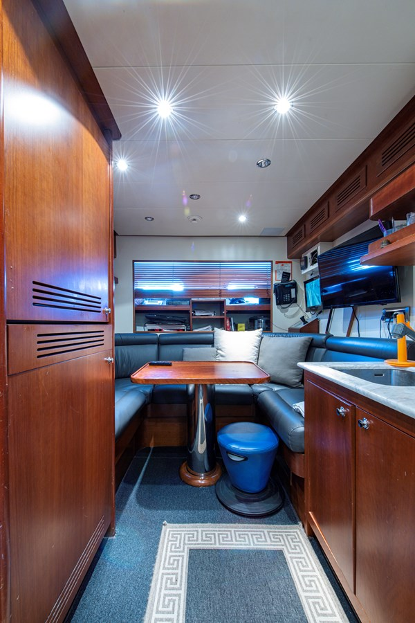 Crew Quarters 2006 BENETTI Tradition Series Motor Yacht 2738533