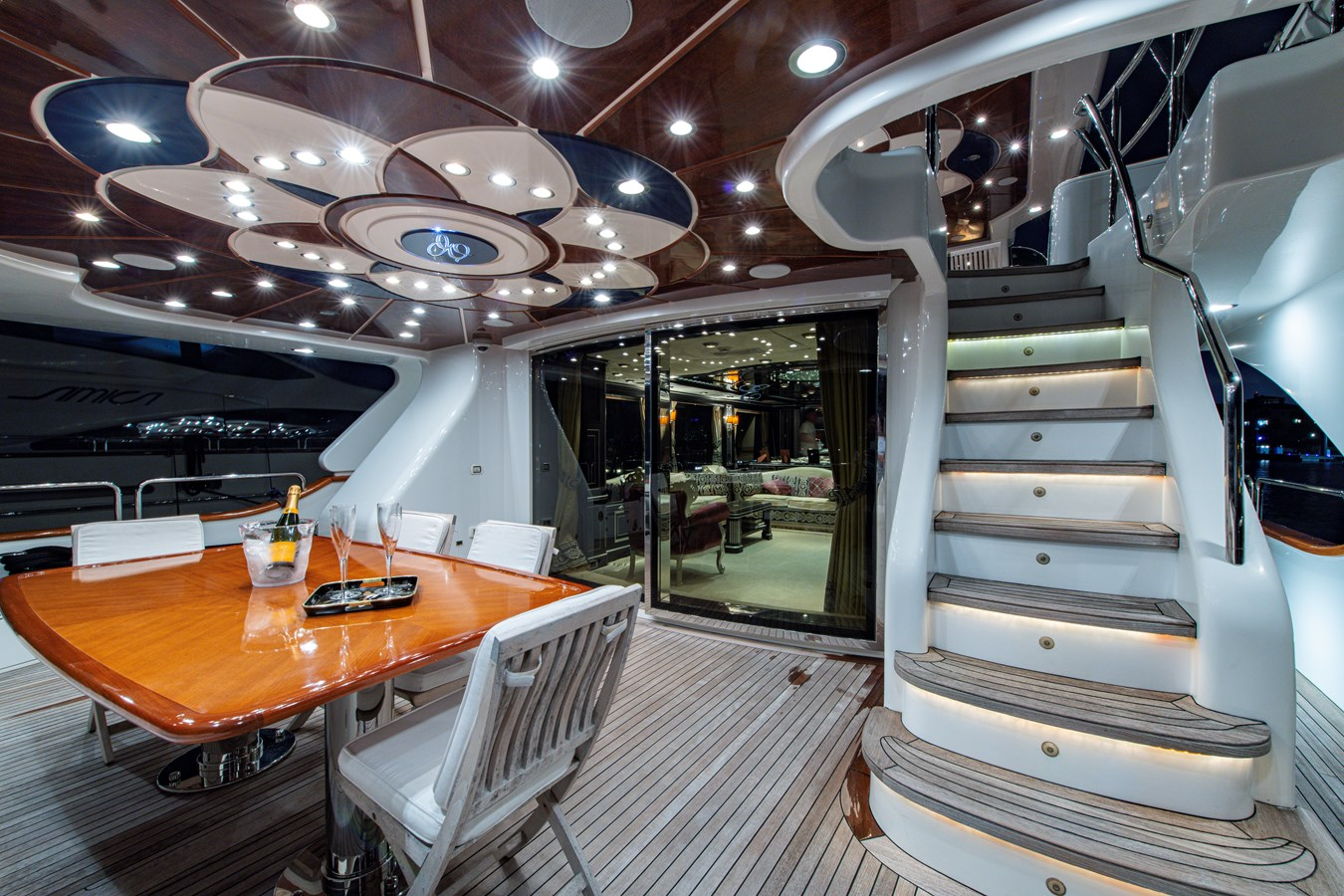 Aft Deck 2006 BENETTI Tradition Series Motor Yacht 2738538
