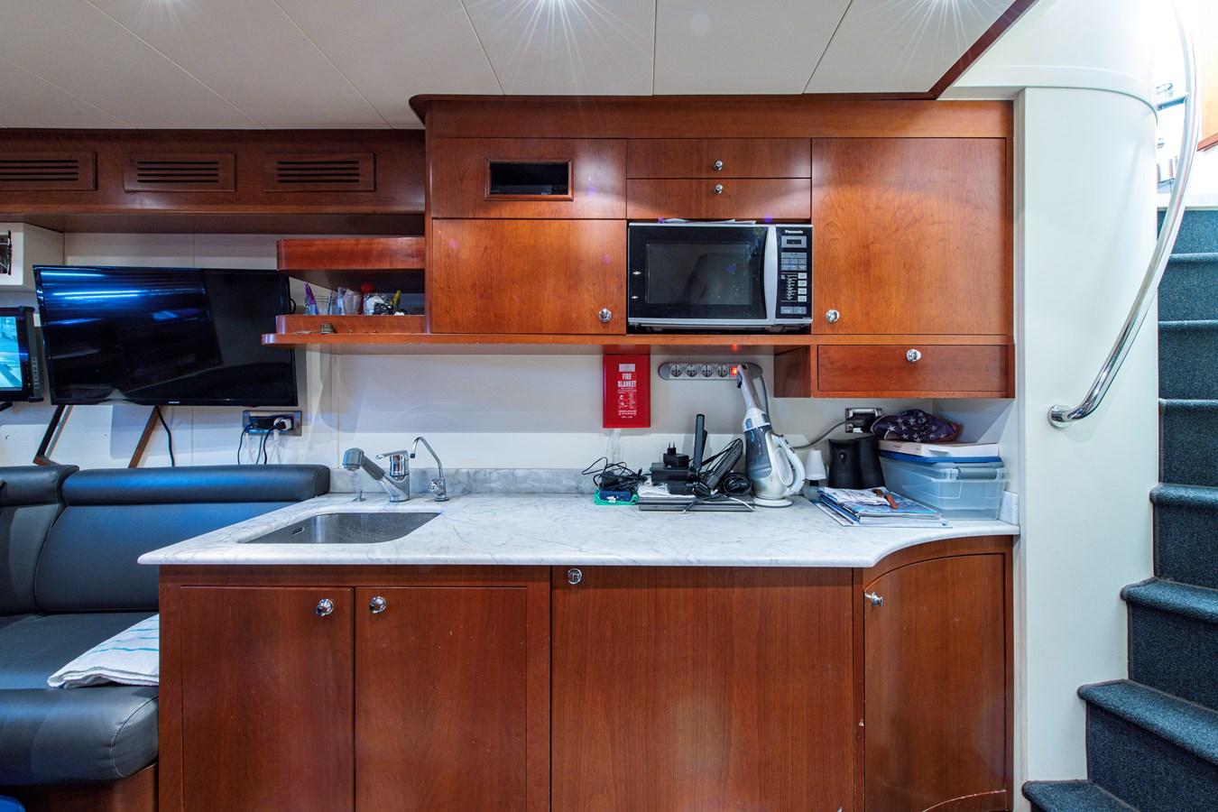 Crew Quarters 2006 BENETTI Tradition Series Motor Yacht 2738552