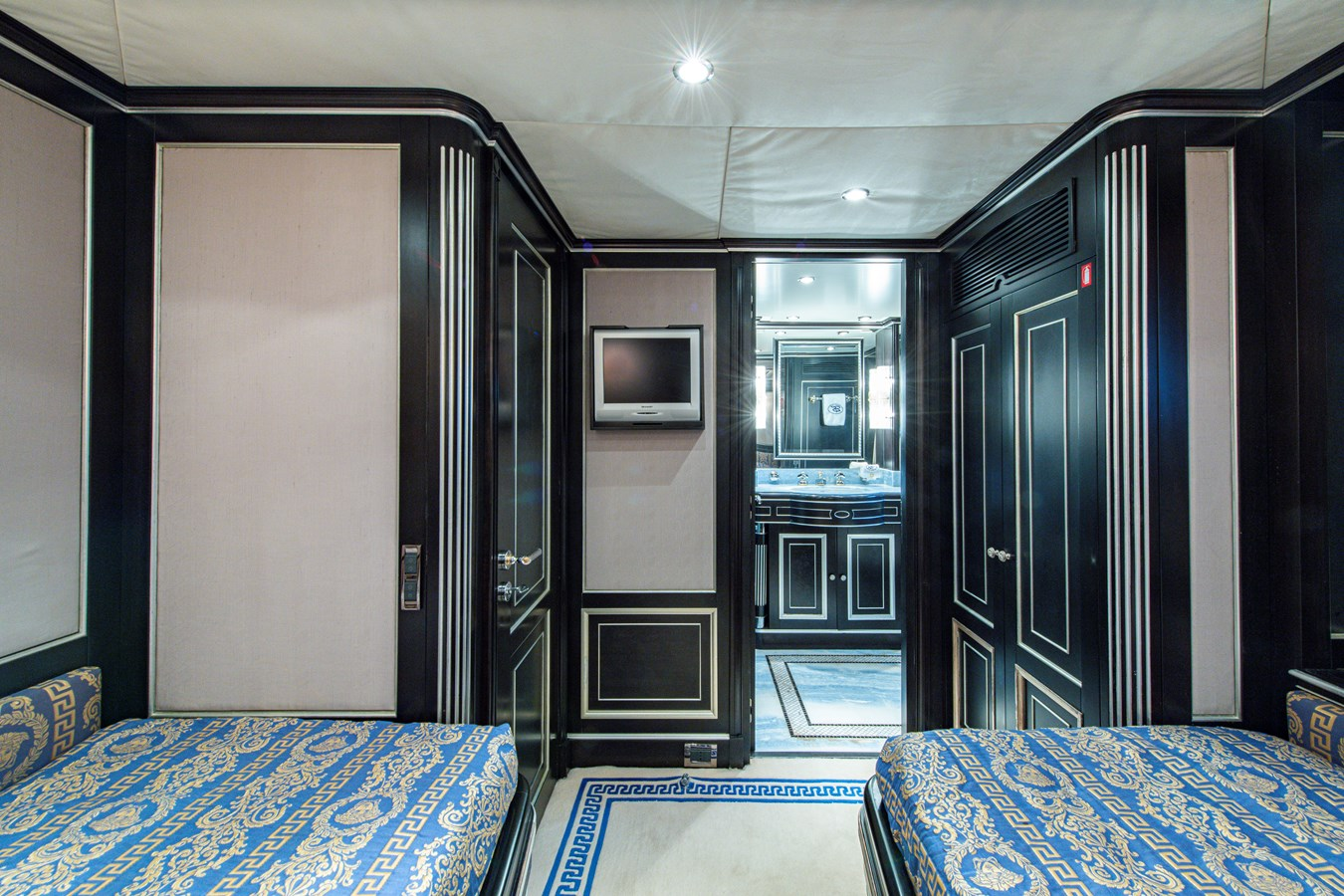 Port Guest Statroom 2006 BENETTI Tradition Series Motor Yacht 2738562